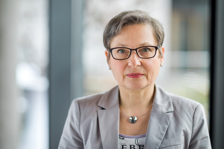 Bettina Limperg - Präsidentin des Bundesgerichtshofs - Leistung Portrait - arifoto